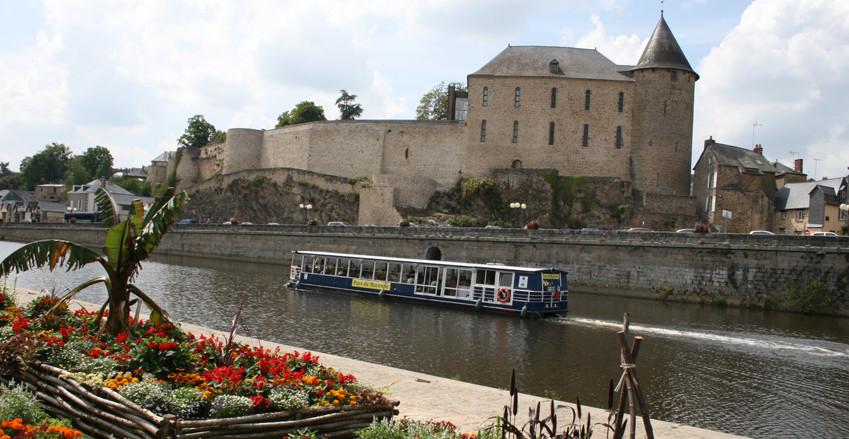 tourisme - bateau - mayenne